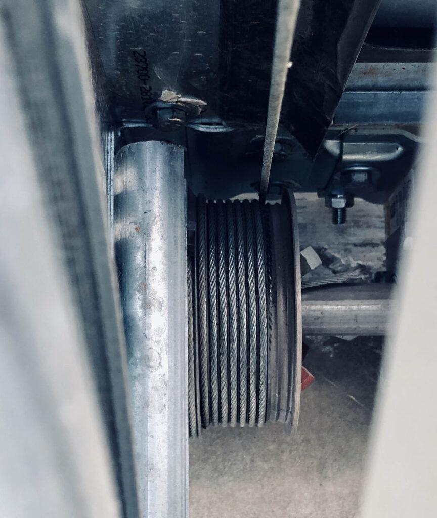 Garage_door_cablewheel