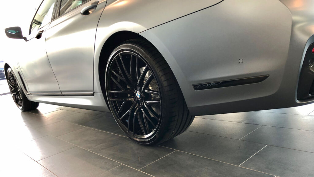 BMW_7series_Porcelain_TIles