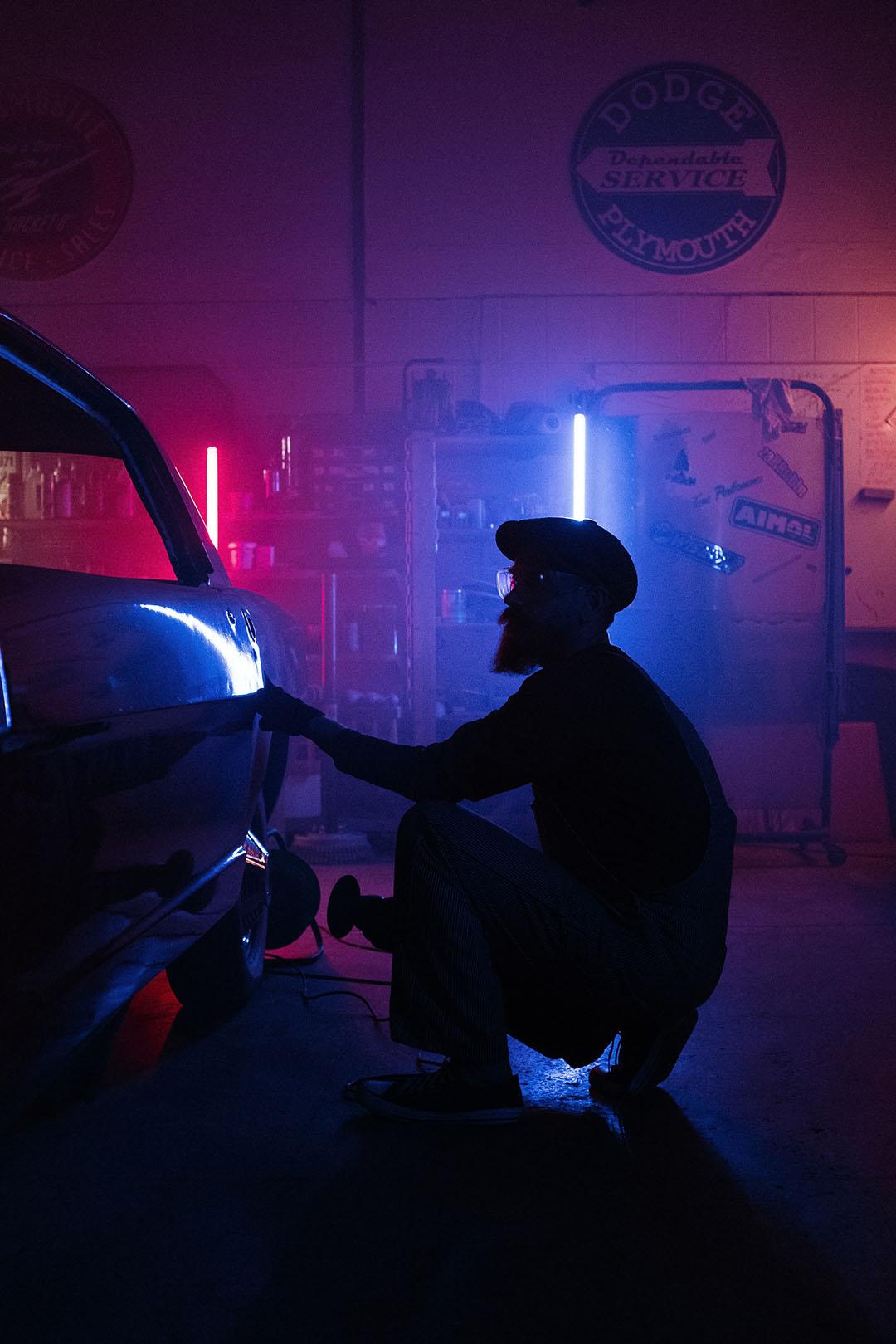 car-guy-polishing
