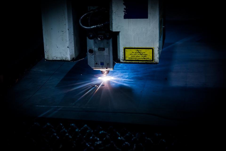 laser-2819140_960_720