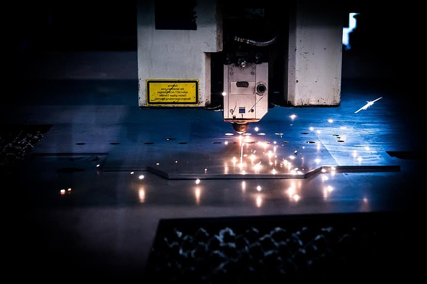 laser-cutting-machine-plasma-sparks-technology-factory-mori-laser-cutting